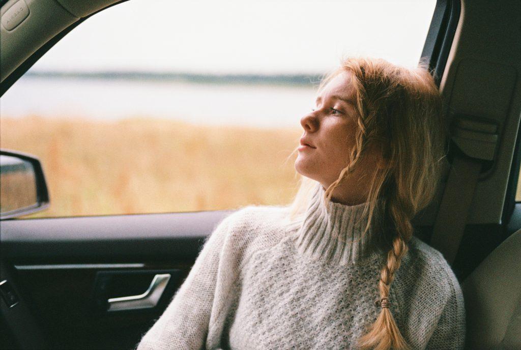 Hoe kan ik negatieve gedachten loslaten en ombuigen?